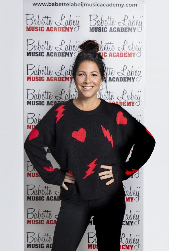 """""""De Babette Labeij Music Academy is dé plek voor iedereen die van zingen houdt!"""