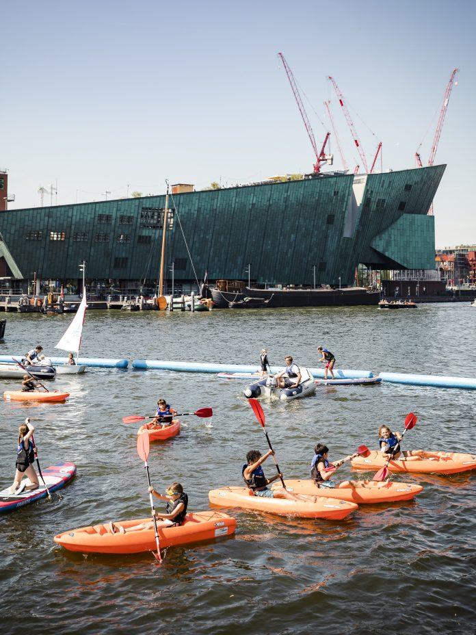 Amsterdamse Waterspelen geven 7000 jongeren gratis watersportles