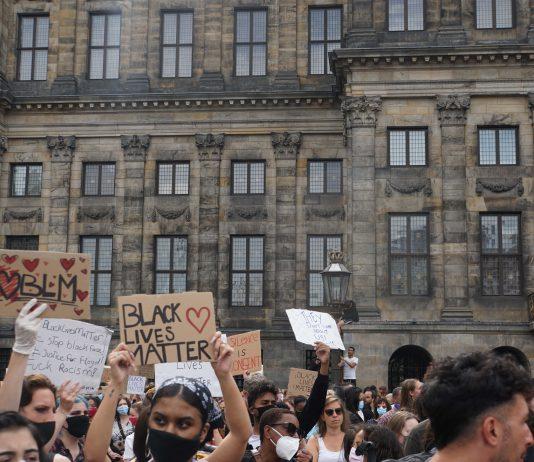 Opnieuw protest anti-zwart politiegeweld en racisme: nu in Amsterdam Zuidoost