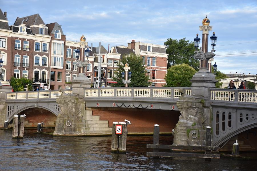 Bruggen over de Amstel in Amsterdam