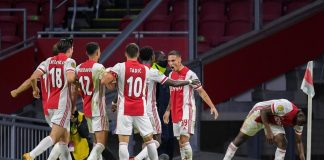 Vreugde bij Ajax na de goal van Antony. Foto credits: © Orange Pictures / Gerrit van Keulen