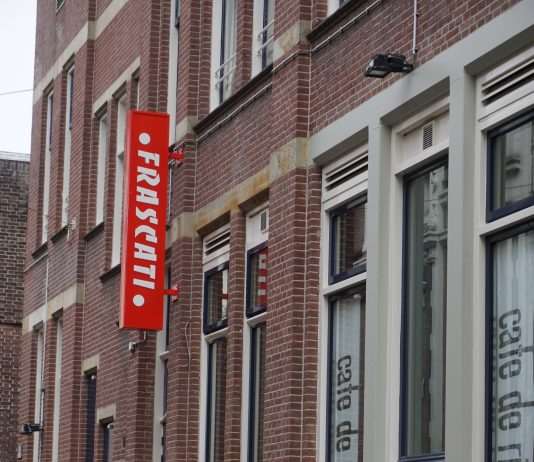 Nederlandse première Mount Average van Julian Hetzel / CAMPO in coproductie met Frascati Producties
