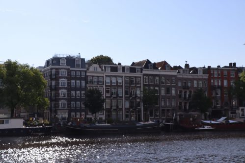 Love Stories: Nieuwe toneelgroep in Amsterdam, ontstaan tijdens lockdown