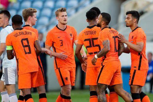 Oranje in 5-3-2 systeem naar gelijkspel tegen Schotland