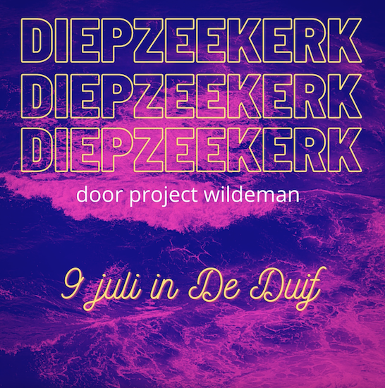 Beats van Wildeman midden in de kerk van De Duif in Amsterdam
