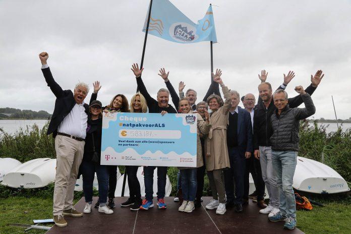 Amsterdam City Swim haalt meer dan €580.000 op voor Stichting ALS Nederland