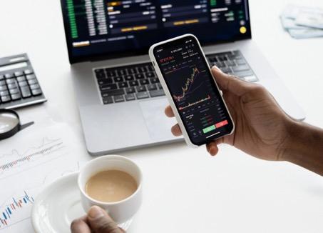 Handelen in Nederland, makkelijker gemaakt door de beste brokers