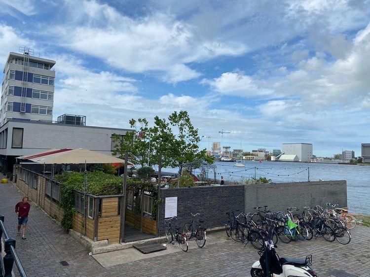 Horeca aan het water van het IJ in Amsterdam