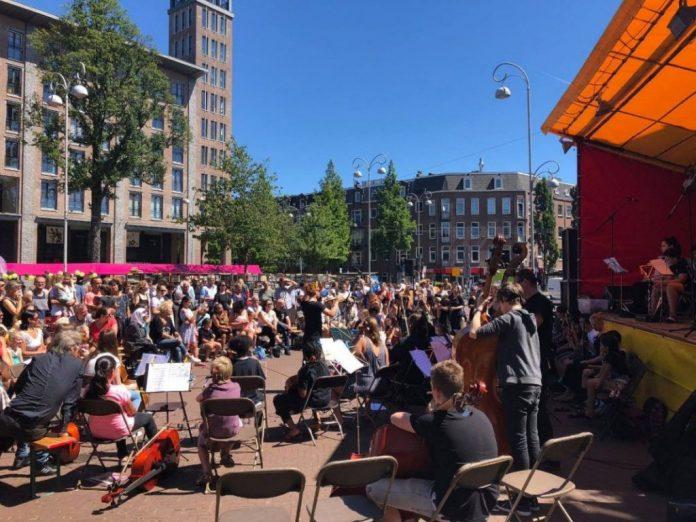Vrije Tijd Amsterdam gaat wekelijks op zoek naar leuke tips voor in je weekend. Hieronder lees je een aantal leuke tips voor een gezellig weekend in Amsterdam!