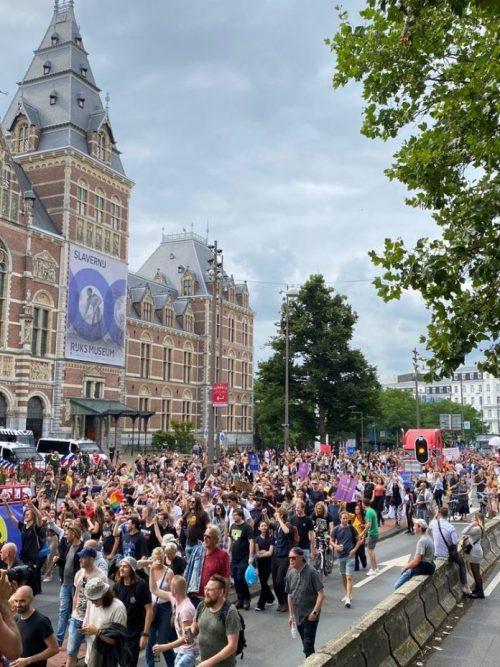 Gewijzigde route protestmars Unmute Us in Amsterdam