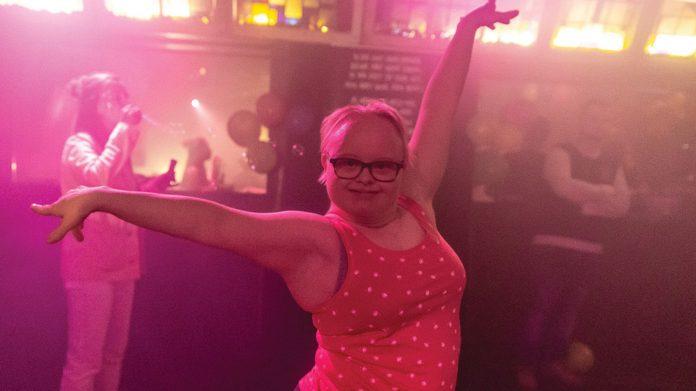 Honderden muziekliefhebbers in actie voor mensen die je niet snel op de dansvloer ontmoet